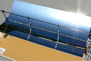 Modellbau Roemer, Modellfoto Parabolrinnenkraftwerk